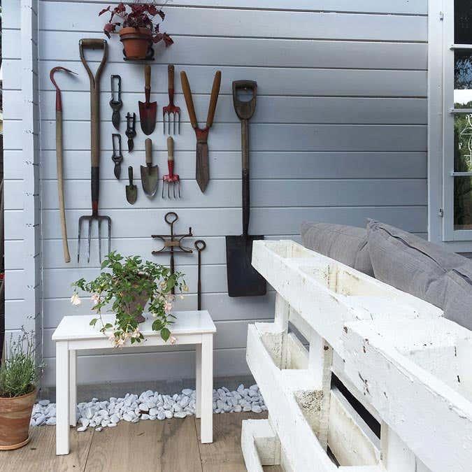 gartenh user im landhausstil vielseitige einrichtungsideen. Black Bedroom Furniture Sets. Home Design Ideas