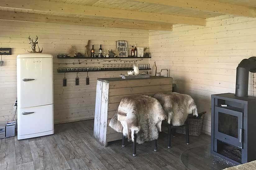Gardenlounge viva 40 b das perfekte partyhaus for Viva kühlschrank