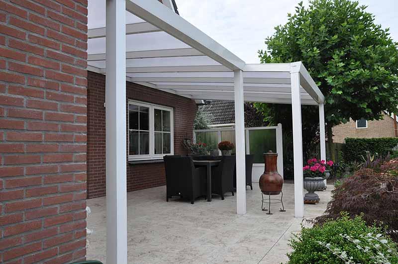 terrassenueberdachung-unterschiedliche-tiefen-glaselemente