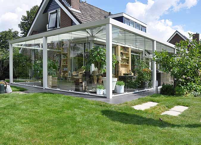 terrassen-berdachung-glas-wintergarten-einrichten