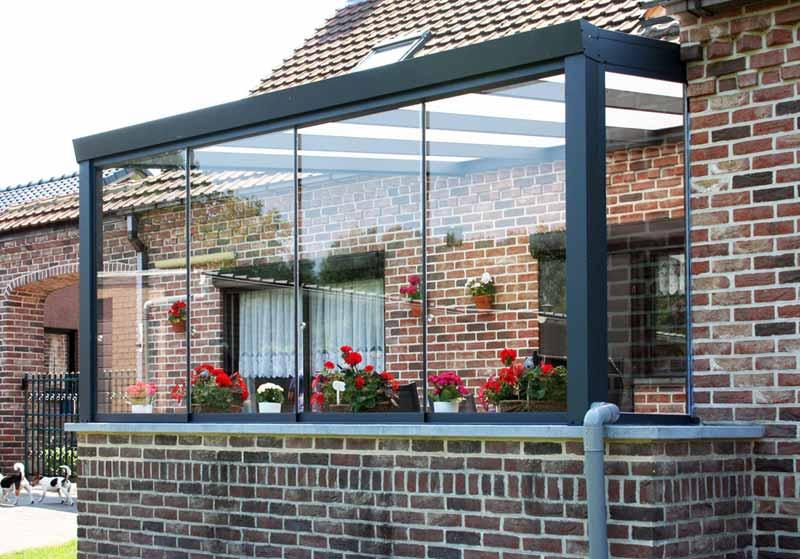 terrassenueberdachung-auf-mauer-verglast-glas-wintergarten